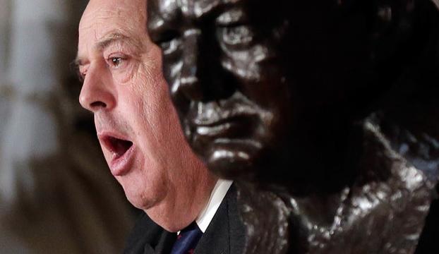 İskoç meclisinde Churchillin torunundan Müslüman vekile hakaret