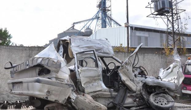 Mersinde trafik kazası: 2 ölü