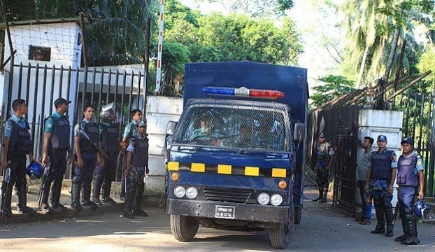 Bangladeşte eski devlet bakanı idama mahkum edildi