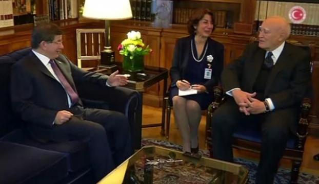 Davutoğlu, Yunanistan Cumhurbaşkanı ile görüştü