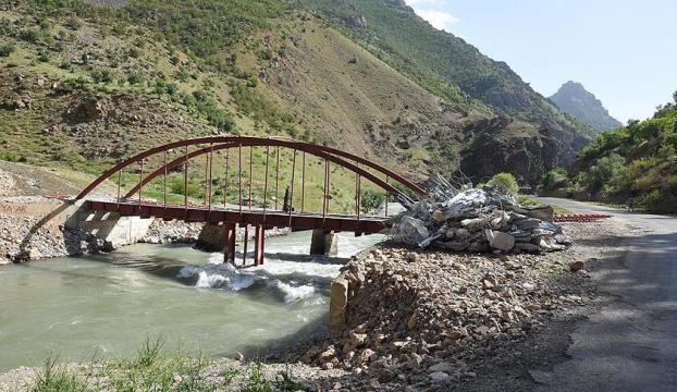 DBPli belediye PKKlı teröristler için köprü yaptırmış