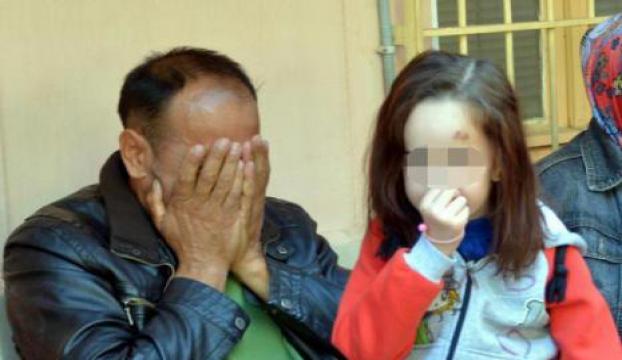 Bir çocuk annesi kendini eşarpla astı