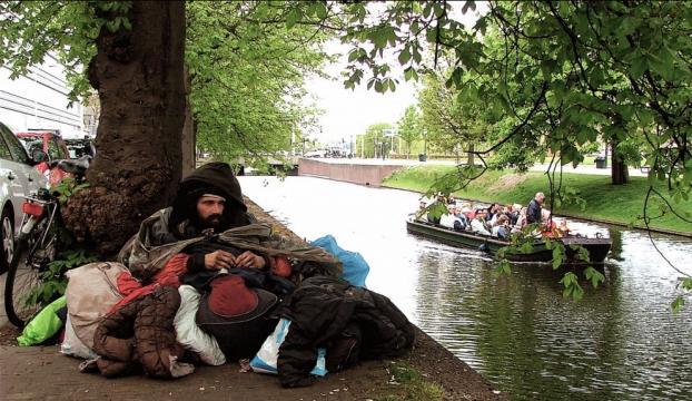 Hollandada ekonomik kriz evsiz sayısını artırdı