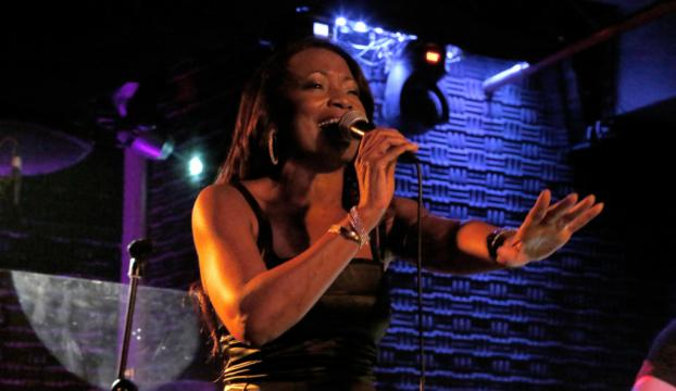 Della Miles İstanbulda konser verdi