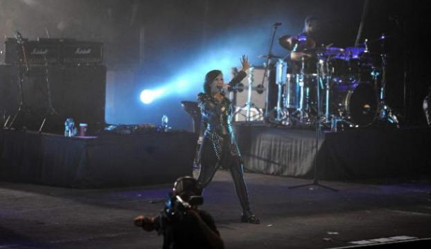 Demi Lovato büyüledi