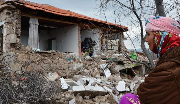 Depremler bu yıl 3 bini aşkın yapıya ağır hasar verdi