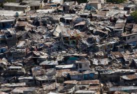 Papua Yeni Gine'de 270 bin depremzede yardım bekliyor