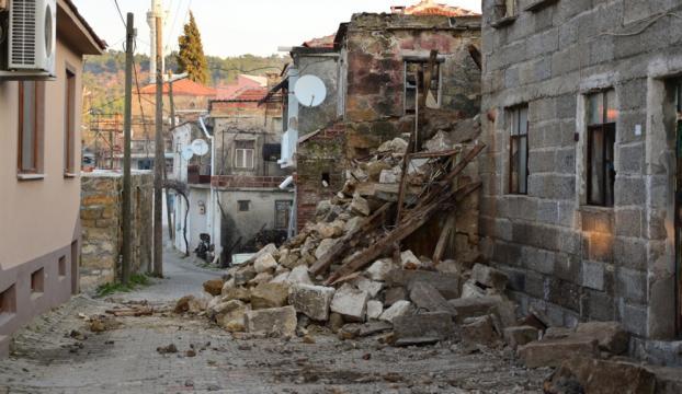Çevre ve Şehircilik Bakanı Kurum: Ayvacıkta 85 konut hasar gördü