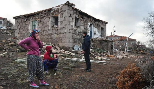Çanakkaledeki son deprem hasara neden oldu