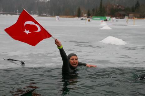 Derya Can'dan yeni dünya dalış rekoru
