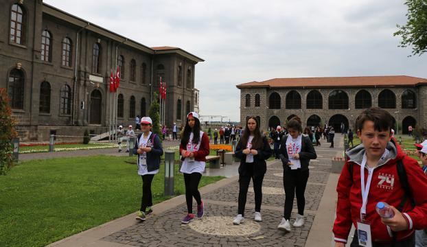 Çanakkaleli öğrenciler Diyarbakır'a hayran kaldı