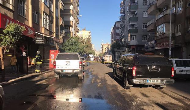 Diyarbakırda PKK hücre evine operasyon : 1 polis şehit