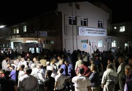 Diyarbakır'da sivilleri taşıyan araca terör saldırısı: 7 şehit, 10 yaralı