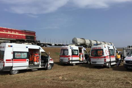 Diyarbakır'da yük trenine terör saldırısı