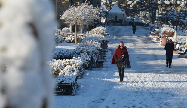 Sakarya, Kocaeli, Bartın ve Zonguldakta kar yağışı etkili oluyor