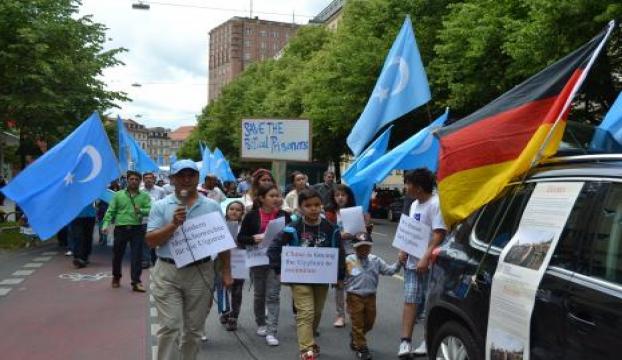 Dünya Uygur Kurultayı, Çin hükümetini protesto etti