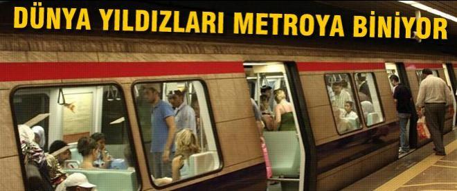 Dünya yıldızları metroya biniyorlar!