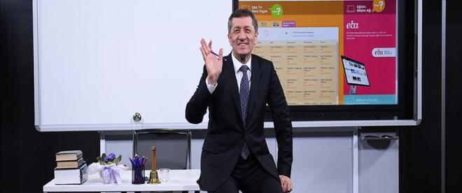 """Milli Eğitim Bakanı Selçuk: """"Yaz tatilinde EBA TV yine yayında"""""""