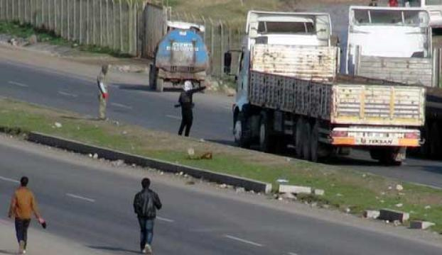 Kaleşnikoflu PKKlılar İpek Yolunu kesti