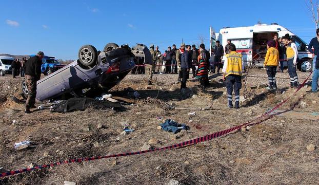 Elazığda acı olay: Bebeğini emzirmeye giden kadın kazada öldü