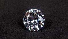 İsviçre'de 163 karat elmas 33,7 milyon dolara satıldı