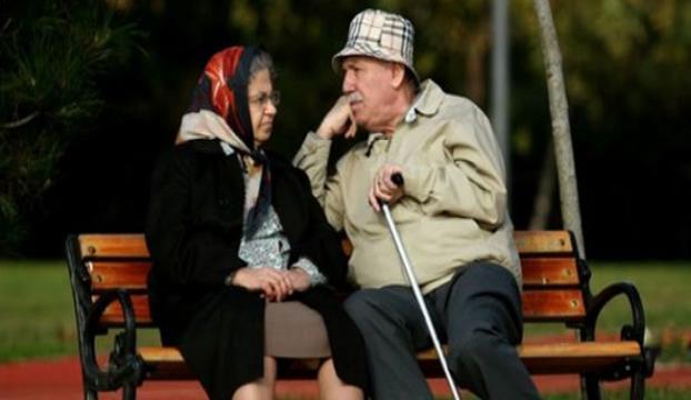 Emeklilere bayram müjdesi