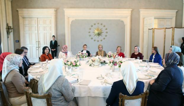 Emine Erdoğan, STKların kadın temsilcileriyle bir araya geldi