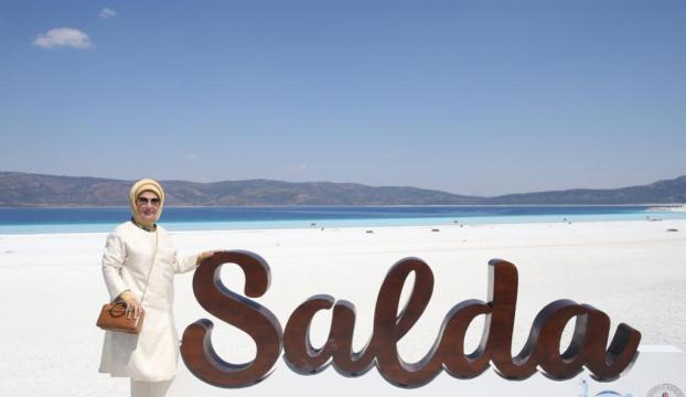 Emine Erdoğan, Salda Gölünü ziyaret etti