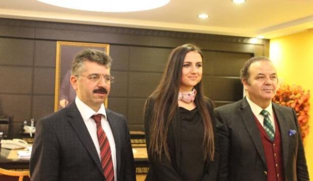 En iyi 50 öğretmenden biri Türk