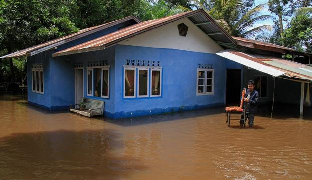 Endonezyadaki sel ve heyelanda ölü sayısı 104e yükseldi