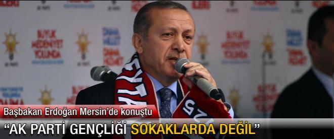 """""""AK Parti gençliği sokaklarda değil"""""""
