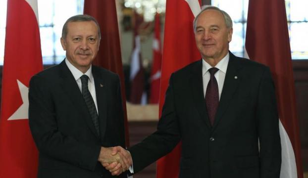 """Erdoğan:""""PYDye yapacağınız yardımlar bir terör örgütüne gitmektedir"""""""