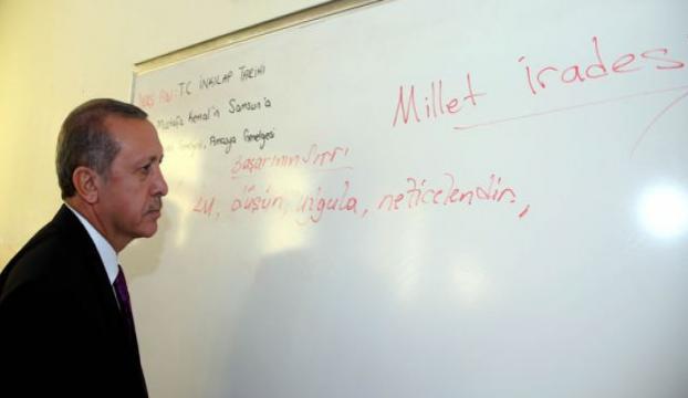 Erdoğan başarının sırrını tahtaya yazdı
