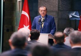 Cumhurbaşkanı Erdoğan: Haber peşinde koşmakla ihanete aracılık etmek tamamen farklı şeyler