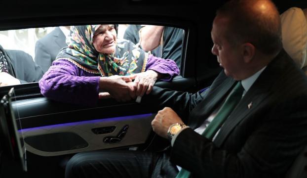 Cumhurbaşkanı Erdoğan vatandaşlar ile sohbet etti