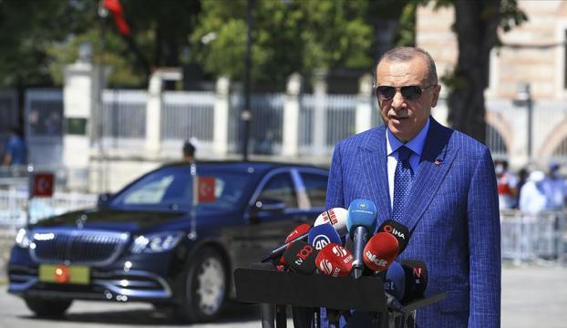 Cumhurbaşkanı Erdoğan, cuma namazı çıkışında gazetecilerin sorularını yanıtladı: