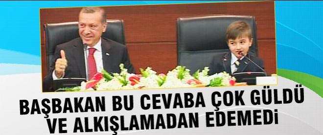 Başbakan koltuğunu devretti
