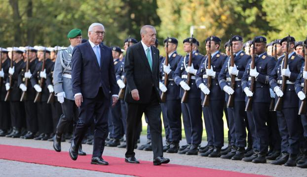 Cumhurbaşkanı Erdoğan Almanyada resmi törenle karşılandı