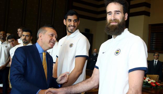 Fenerbahçe Cumhurbaşkanı Erdoğanı ziyaret etti