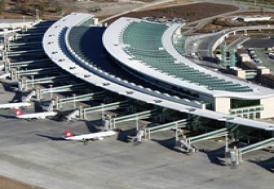 İstanbul-Bahreyn uçağı Esenboğa'ya zorunlu iniş yaptı