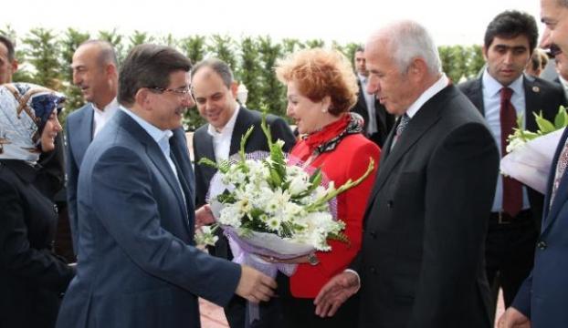 Başbakan Afyonda ziyaretlerini sürdürdü