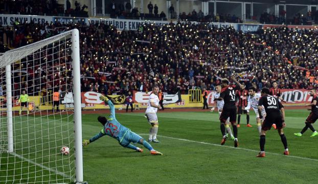 Eskişehirspor, Mustafa Denizli ile ilk kez kazandı!