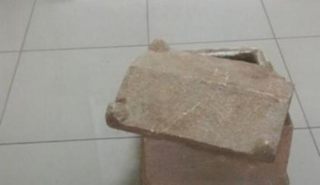 Evden iki bin yıllık çocuk mezar çıktı