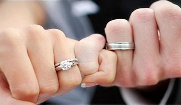 """Çiftlere evlilik öncesi """"eğitim kitabı"""" dağıtılacak"""