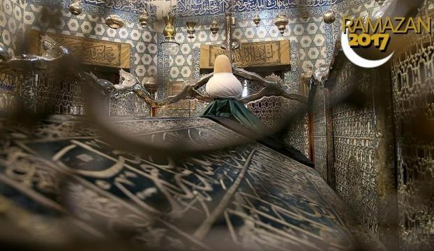 Eyüp Sultan Türbesi ramazanda 24 saat açık