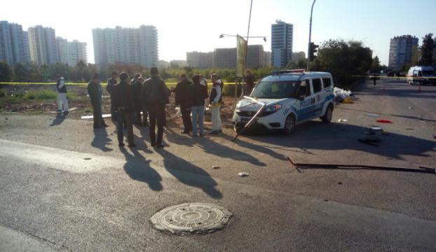 Mersinde polis aracına saldırı