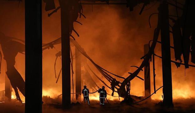 İstanbulda plastik fabrikasında büyük patlama