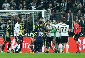 PFDK, Beşiktaş ve Fenerbahçe'ye cezayı kesti