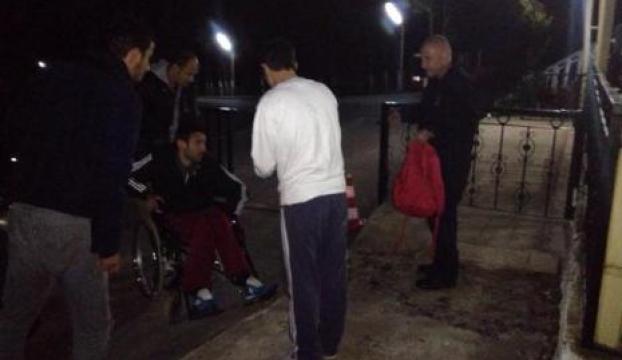Felçli Turgut cezaevine kucakta girdi