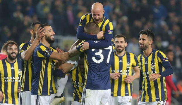 Fenerbahçe Zoryayı 2 golle geçti